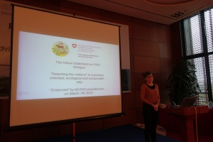 "Stefanie Kaegi presenting the ""Hanoi statement on RAS designs"""